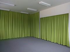 Ein kindergarten vier vorhangsfarben heimtex ideen for Vorhang fa r regal