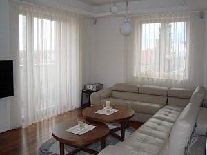 klassische gardinen ein wenig anders heimtex ideen. Black Bedroom Furniture Sets. Home Design Ideas