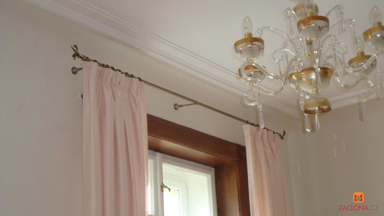 gardinenstangen cesar in einer stilwohnung. Black Bedroom Furniture Sets. Home Design Ideas