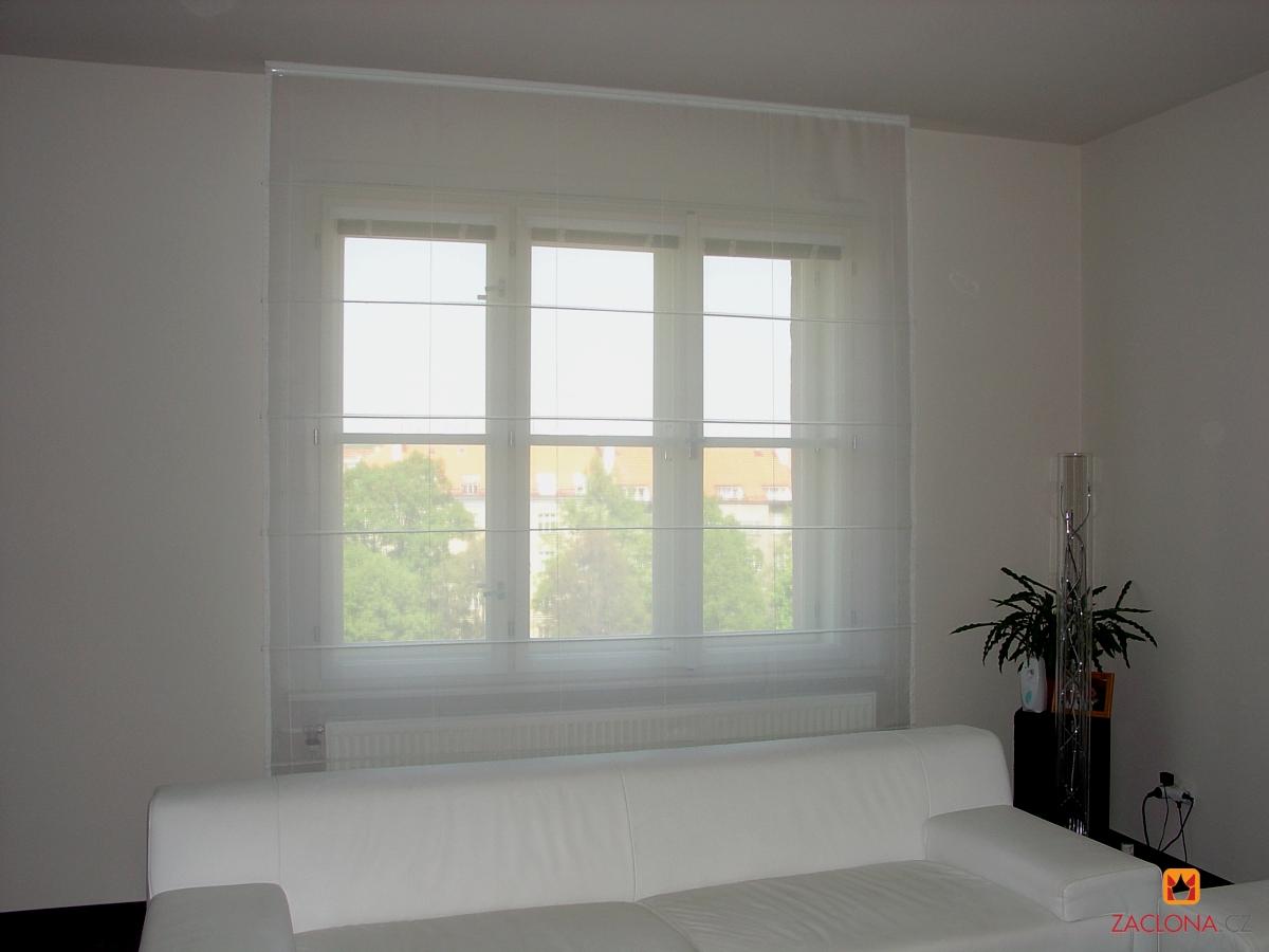 farben des interieurs in harmonie mit der fensterabschirmung. Black Bedroom Furniture Sets. Home Design Ideas